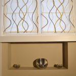 Décor des murs avec niche, en peinture taupe mate veloutée